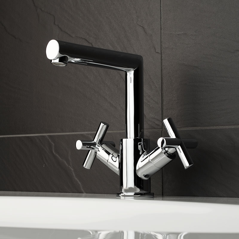 gael, rubi, faucets, bathroom